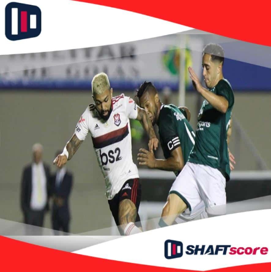Disputa de bola entre Flamengo x Goiás